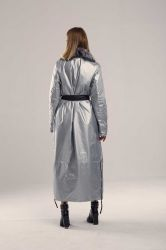 Прямой длинный женский пуховик с поясом - 3