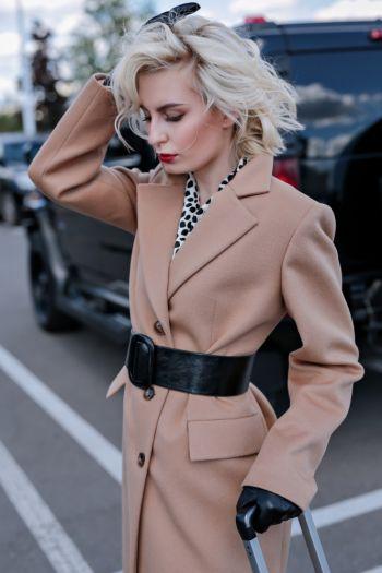 Удлиненное приталенное пальто  из шерсти