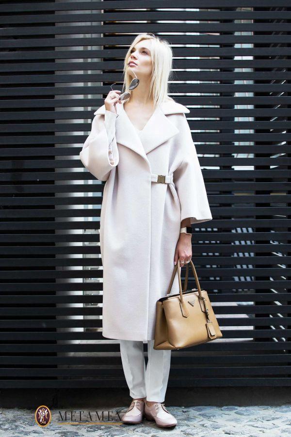 Длинное  пальто  из шерсти